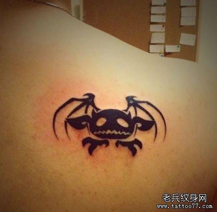 可爱的欧美图腾小恶魔纹身图案