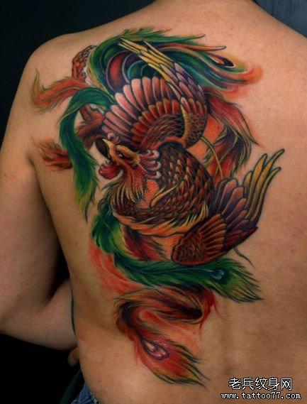 背部漂亮的传统凤凰纹身图案图片