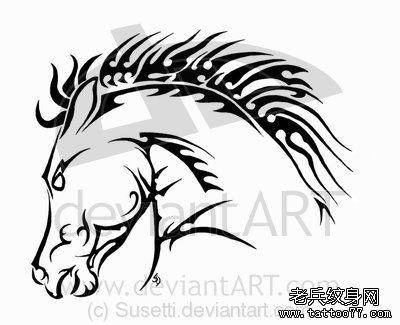 一款经典的图腾马纹身图案