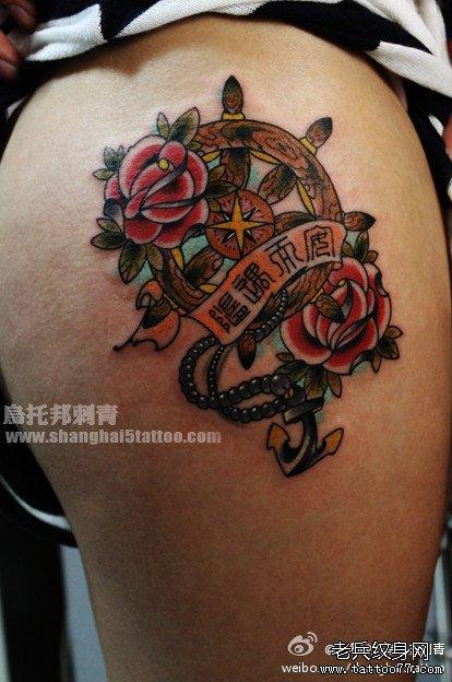 腿部好看的船舵与船锚纹身图案