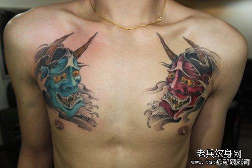 男生前胸经典的彩色般若纹身图案