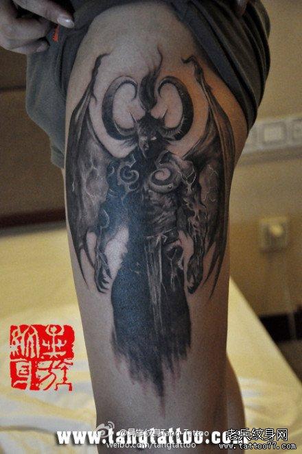男人腿部超酷霸气的恶魔撒旦纹身图案_武汉纹身店之家