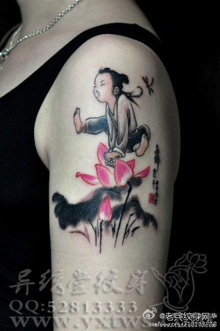 手臂唯美时尚的水墨莲花纹身图案