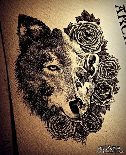 一款另类超酷的狼头纹身手稿图片