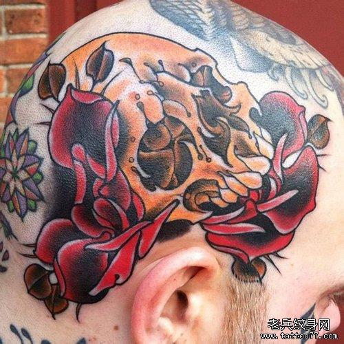 头部一款帅气潮流的school风格的骷髅纹身图案