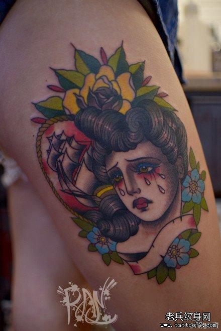 女生腿部流泪的school女郎纹身图案