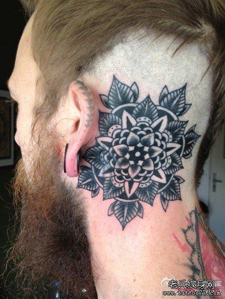 头部潮流唯美的欧美黑灰school花卉纹身图案