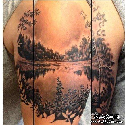 手臂时尚写实的一款风景山水纹身图案