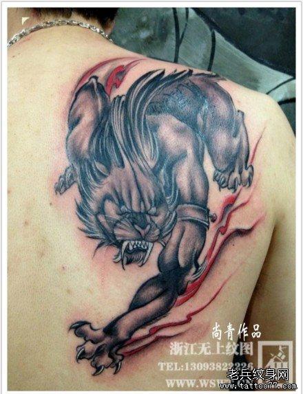 男生后背很酷霸气的野兽纹身图案