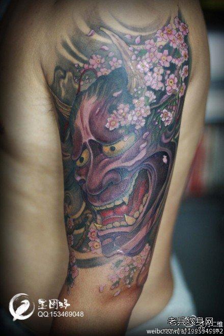手臂时尚很酷的一款般若纹身图案