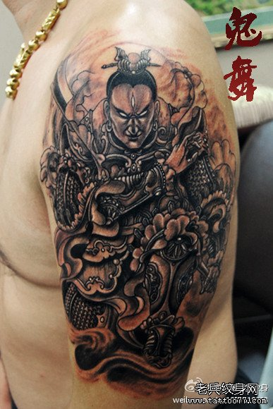 手臂超帅霸气的二郎神杨戬纹身图案