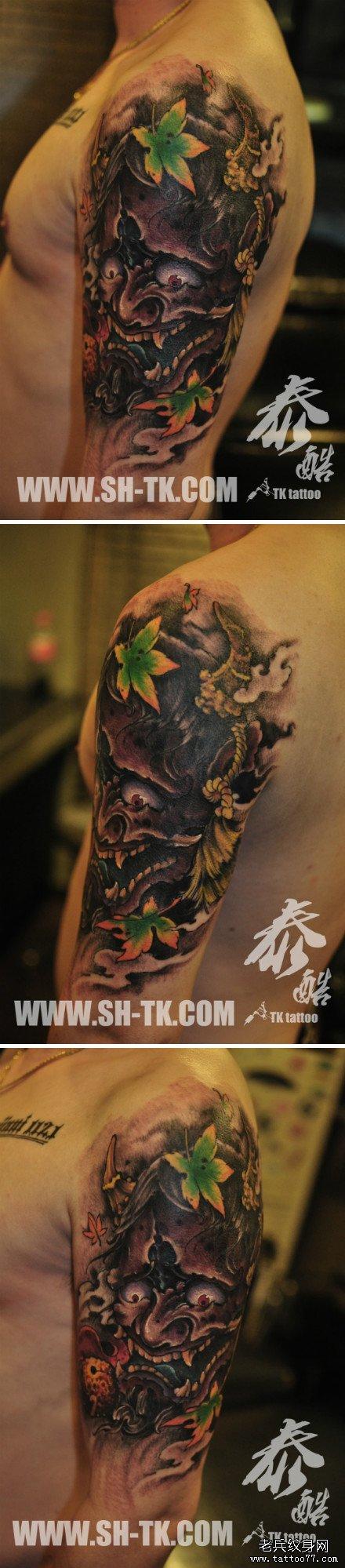 手臂时尚很酷的彩色般若纹身图案