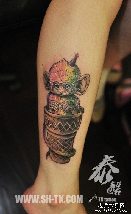 腿部可爱时尚的小猴子纹身图案