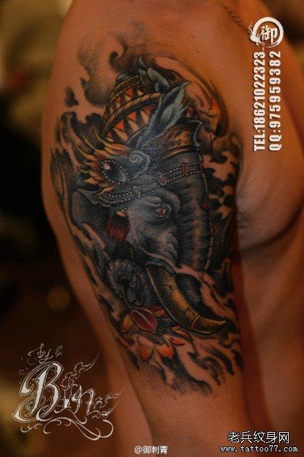手臂时尚很酷的象神纹身图案图片