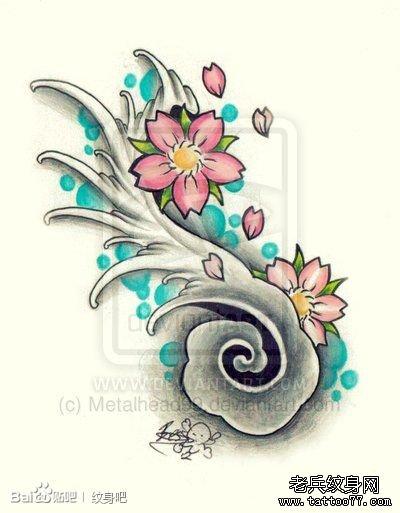 小巧的一款樱花与浪花纹身手稿