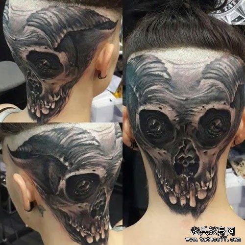 头部潮流很酷的骷髅纹身图案