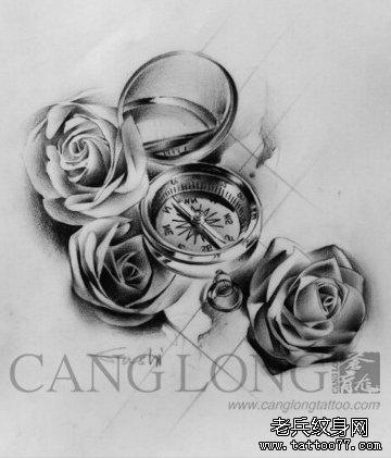 一组精美时尚的指南针玫瑰花纹身手稿
