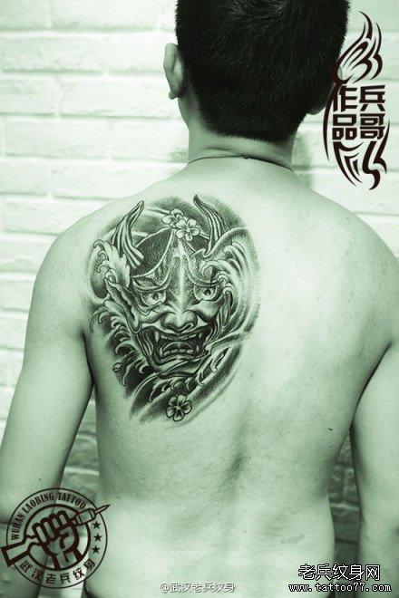 武汉顶尖纹身店兵哥打造的后背般若樱花纹身作品及