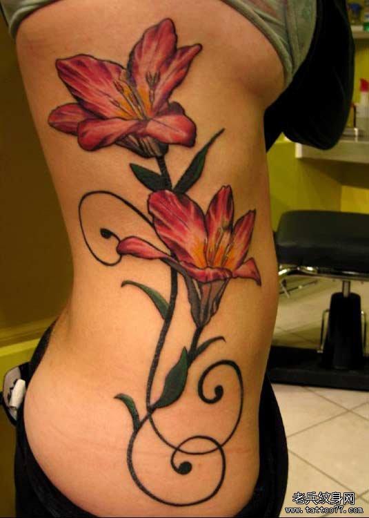 百合花纹身图案及美好寓意