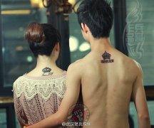 颈部情侣皇冠纹身作品图片