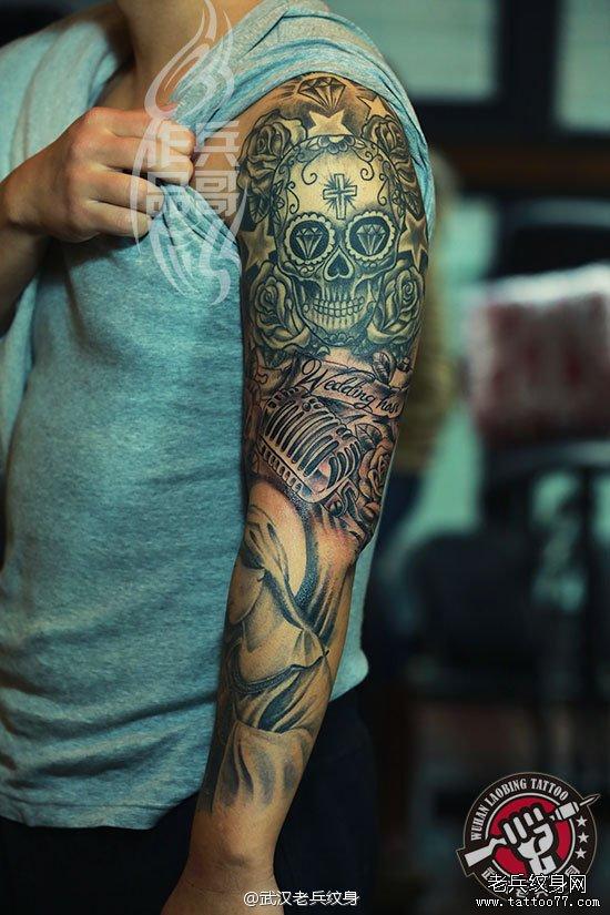 花臂欧美素描花臂纹身作品由武汉老兵纹身店兵哥打造图片