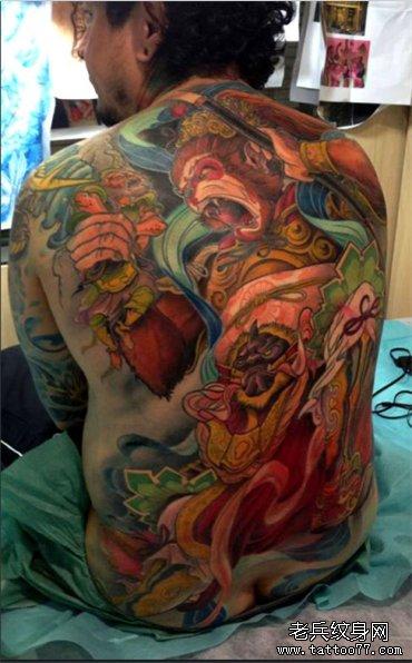 分享一款霸气的传统孙悟空满背纹身作品