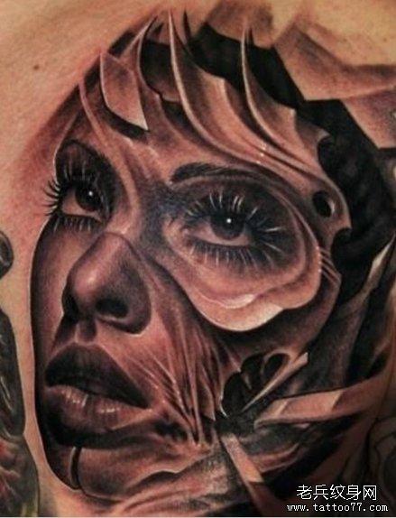 分享一款时尚的欧美女人物纹身作品图片