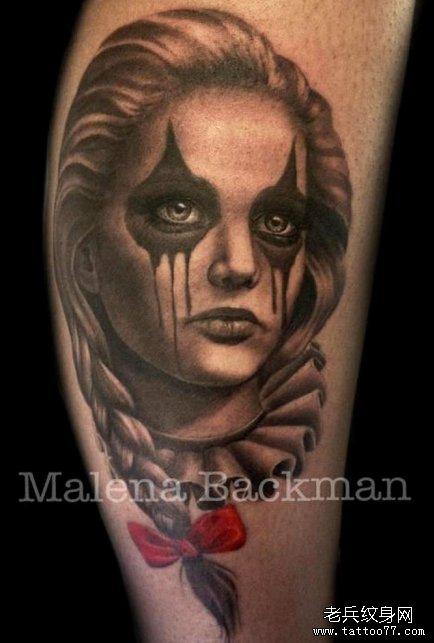 分享一款漂亮的美女小丑纹身作品图片