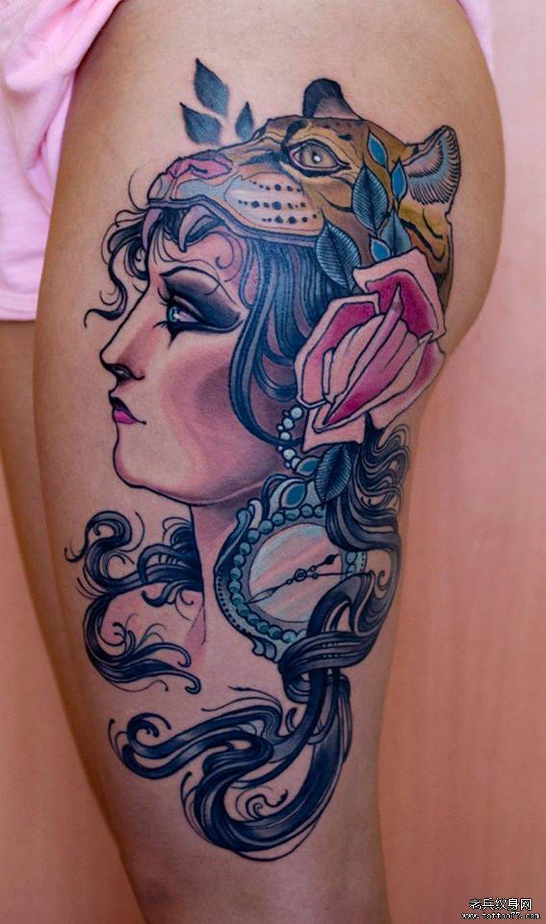 展示一款大腿上的欧美美女纹身图案图片