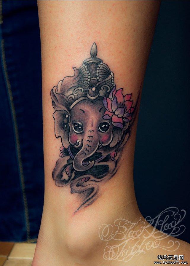 武汉最好的纹身网推荐一款脚踝象神纹身图案