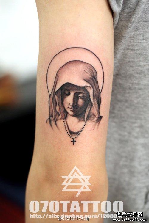 手臂肖像纹身图案有武汉最好的纹身网推荐