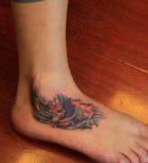 武汉最好的纹身店推荐一款脚背莲花纹身图案