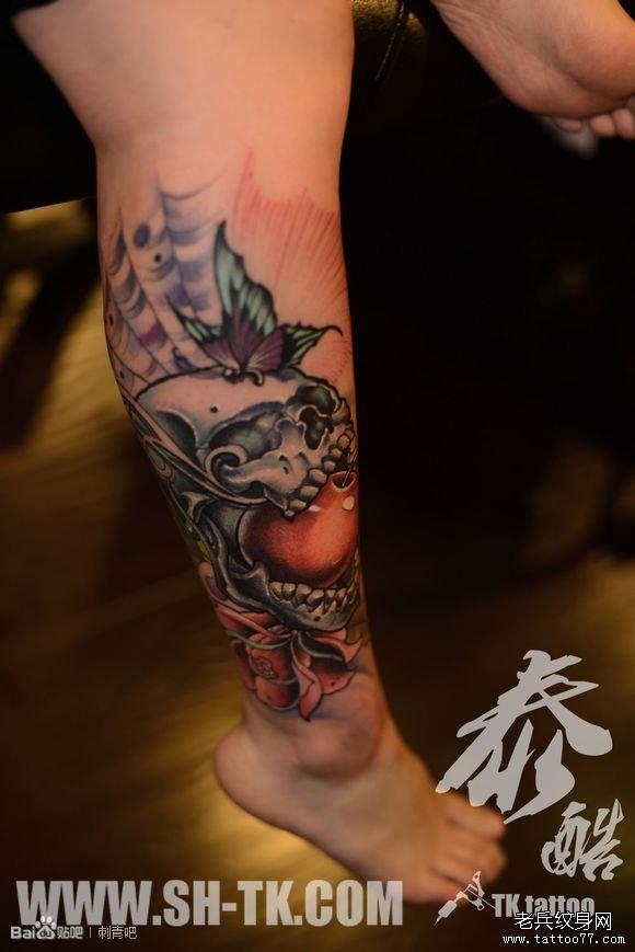 脚部蝴蝶花骷髅(一)纹身图案