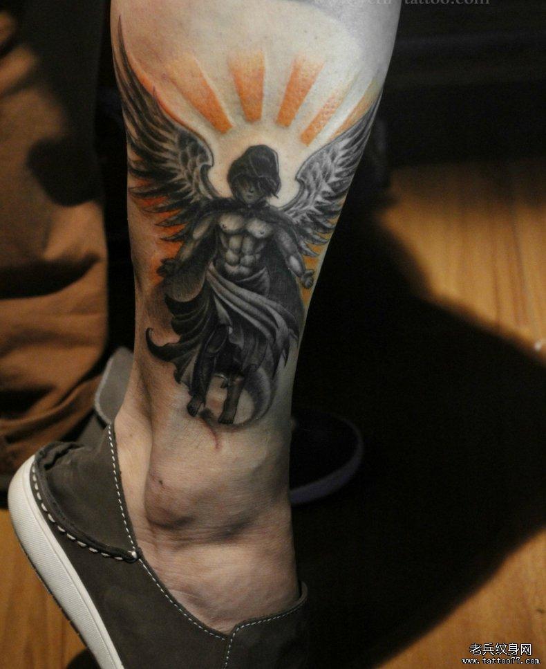 武汉最好的文身店推荐一款脚踝天使文身图案_武汉纹身