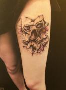 骷髅头玫瑰花纹身图案 2014-04-05 13:43:11 腿部school马文身图案由