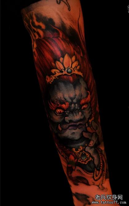 一款彩色时尚花臂纹身图案由武汉最好的刺青店推荐