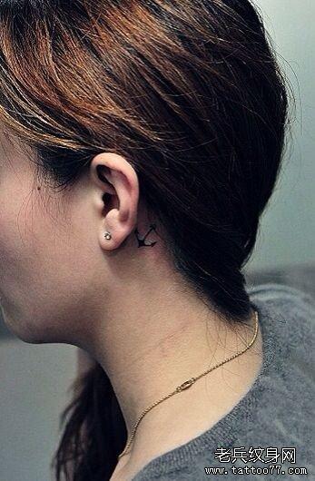 耳后纹身图片女小清新_女性耳后小清新猫咪纹身图案_武汉纹身店之家