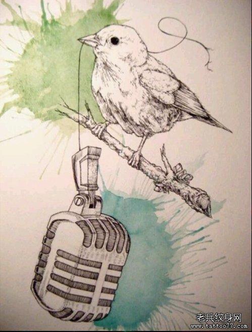 武汉纹身店推荐一款素描鸟纹身图案