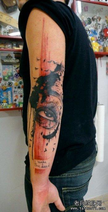 手部之特别风格眼睛纹身图案