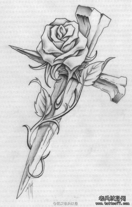武汉最好的刺青店推荐一款十字架玫瑰花纹身图案