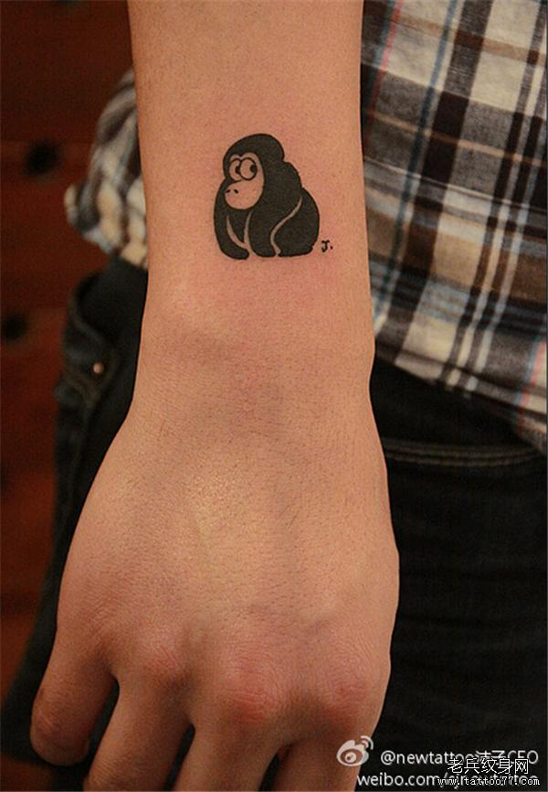 武汉纹身店推荐一款手臂猴子纹身图案