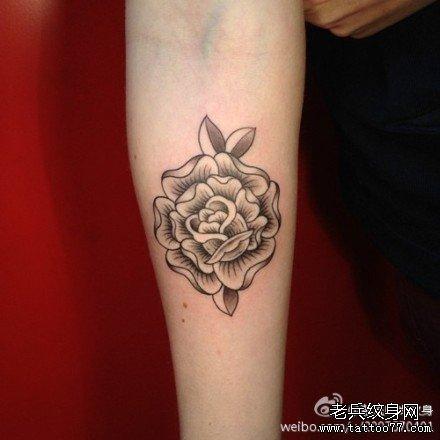 小清新手部花纹身图案