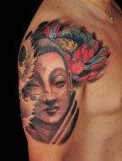 大臂彩色莲花佛纹身图案由武汉最好的纹身图案