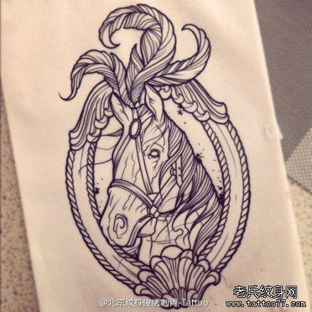 一款马纹身图案由武汉最好的刺青店提供