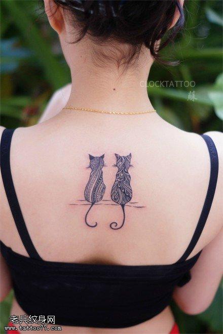 标签:女性背部纹身图片图片