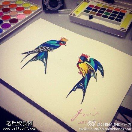 彩色燕子纹身手稿图片由武汉纹身店提供