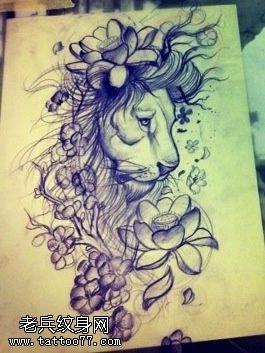 武汉纹身馆提供一款狮子莲花纹身手稿图片