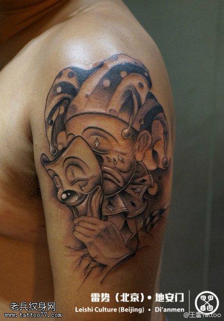 手部小丑纹身图案由武汉纹身馆提供