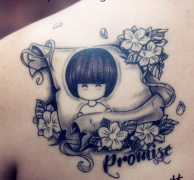 小清新背部小女孩花纹身图案