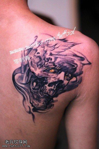 肩部欧美骷髅纹身图案